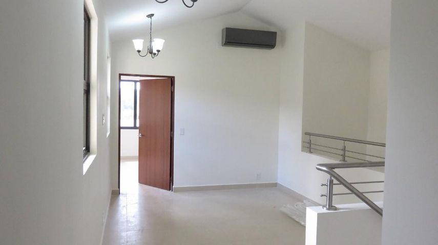 PANAMA VIP10, S.A. Casa en Venta en Panama Pacifico en Panama Código: 17-4251 No.5