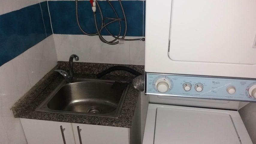 PANAMA VIP10, S.A. Apartamento en Venta en Altos de Panama en Panama Código: 17-4284 No.5