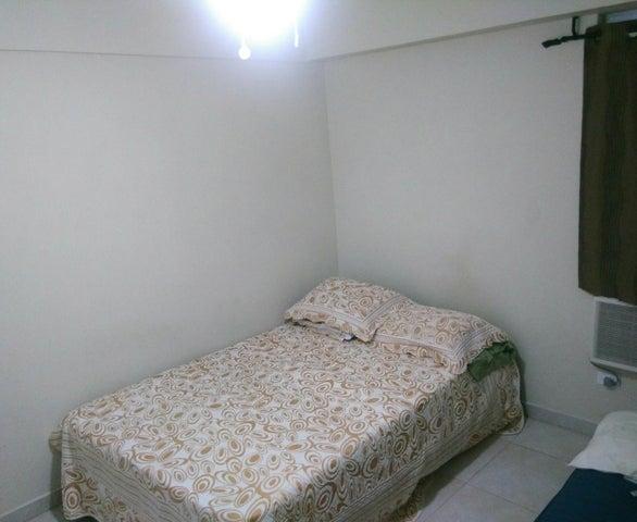 PANAMA VIP10, S.A. Apartamento en Venta en Edison Park en Panama Código: 17-4328 No.9