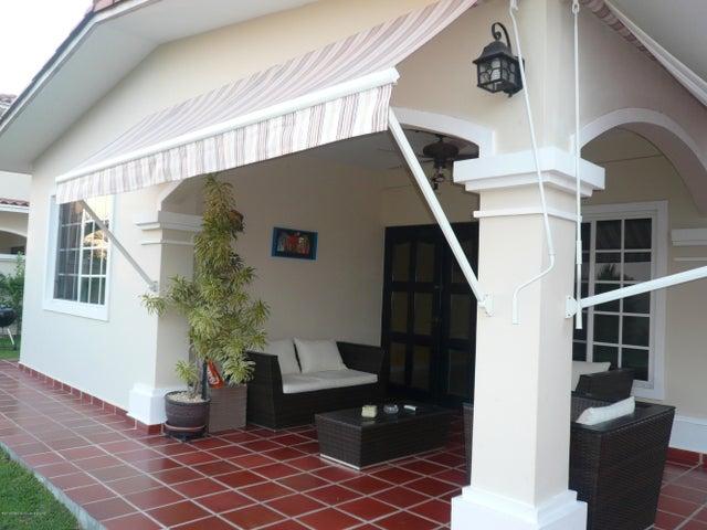 PANAMA VIP10, S.A. Casa en Venta en Costa Sur en Panama Código: 17-4345 No.8