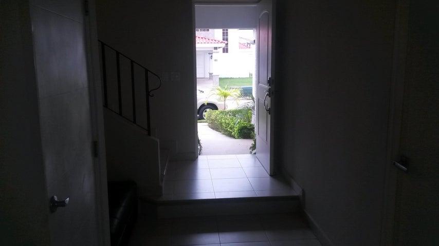PANAMA VIP10, S.A. Casa en Alquiler en Versalles en Panama Código: 17-4351 No.3