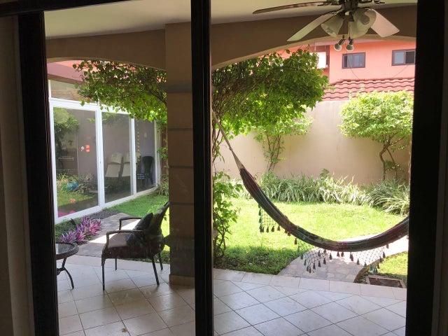 PANAMA VIP10, S.A. Casa en Venta en Versalles en Panama Código: 17-4360 No.8