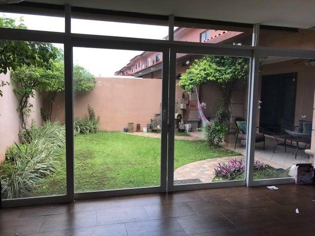 PANAMA VIP10, S.A. Casa en Venta en Versalles en Panama Código: 17-4360 No.7