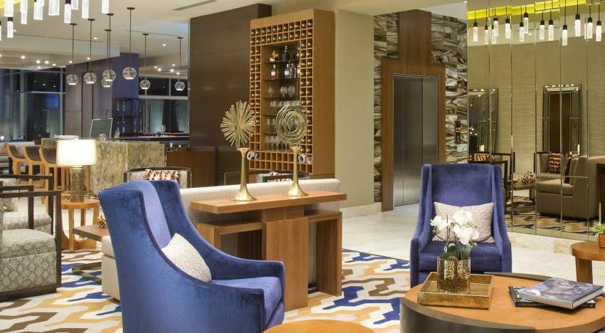 PANAMA VIP10, S.A. Oficina en Venta en Obarrio en Panama Código: 17-4368 No.2