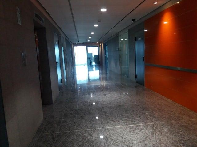 PANAMA VIP10, S.A. Oficina en Venta en Santa Maria en Panama Código: 17-4377 No.1
