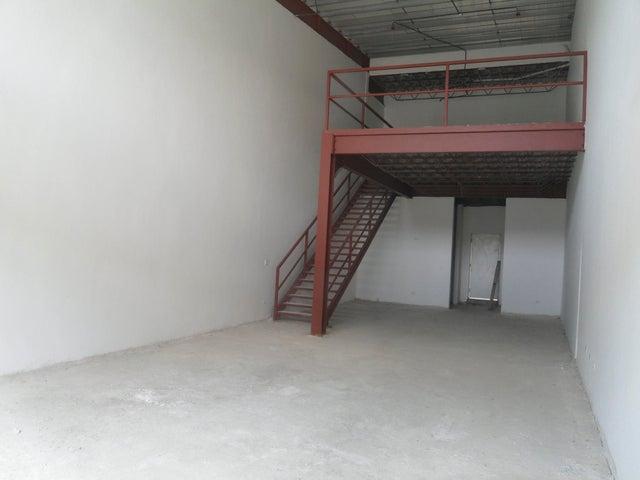 PANAMA VIP10, S.A. Local comercial en Venta en Milla 8 en Panama Código: 17-4496 No.5