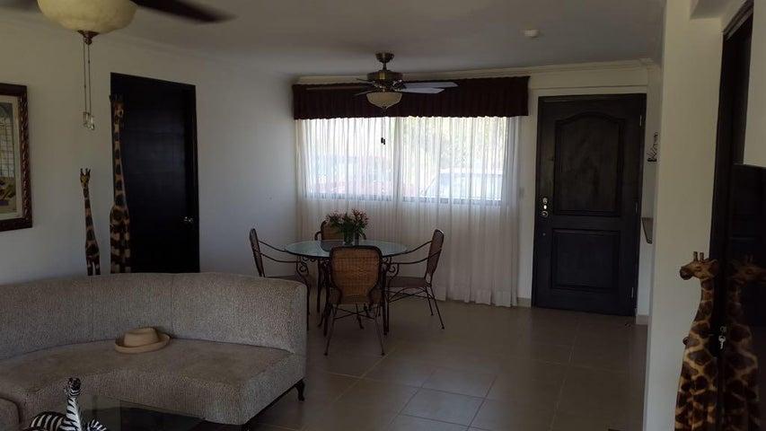 PANAMA VIP10, S.A. Apartamento en Venta en Coronado en Chame Código: 17-4552 No.6