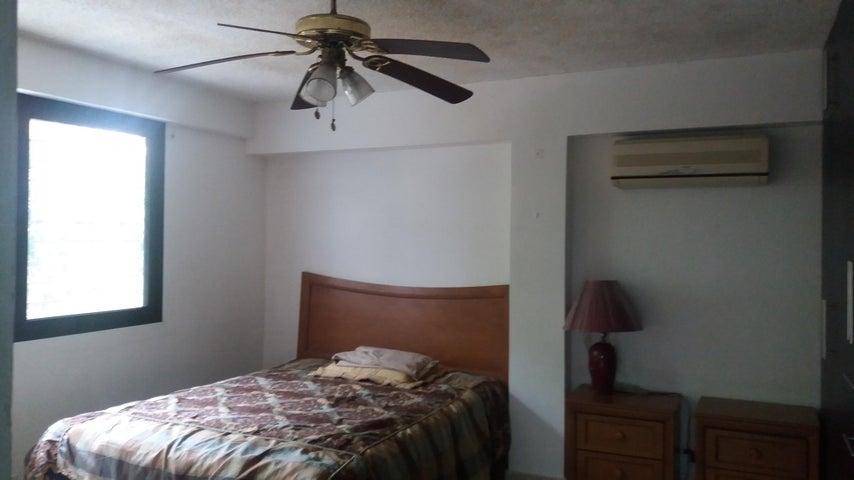 PANAMA VIP10, S.A. Apartamento en Alquiler en Obarrio en Panama Código: 17-4564 No.8