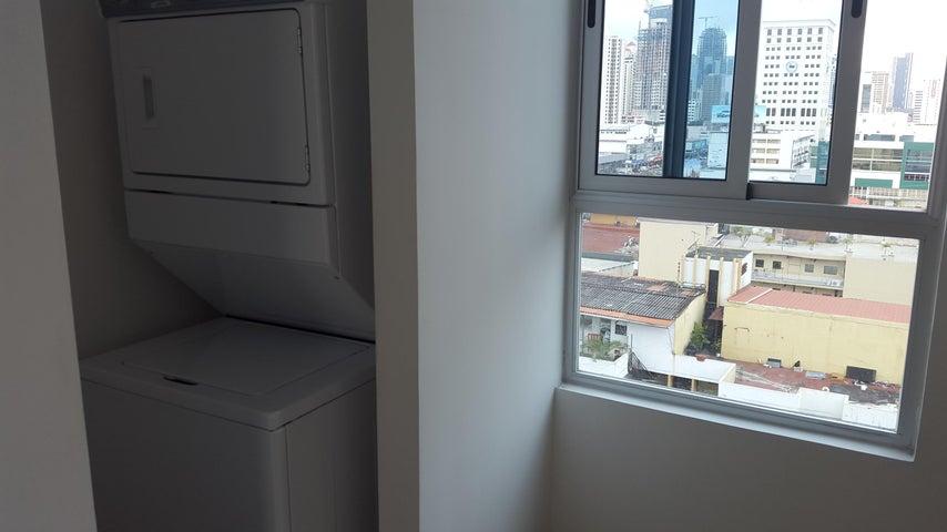 PANAMA VIP10, S.A. Apartamento en Venta en El Carmen en Panama Código: 17-4619 No.8