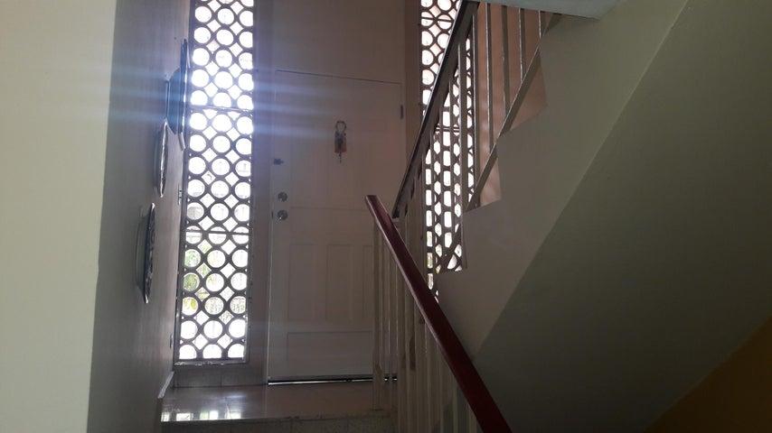 PANAMA VIP10, S.A. Casa en Venta en Betania en Panama Código: 17-4622 No.2