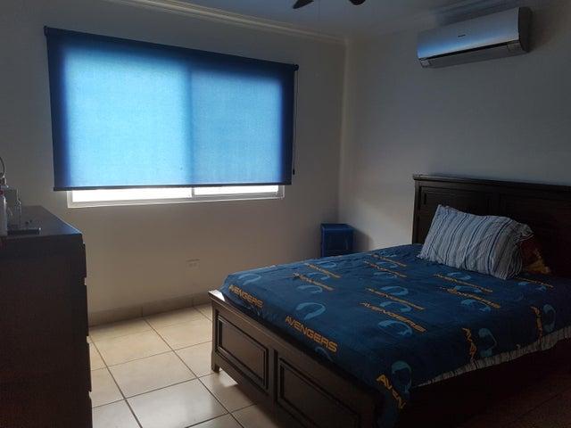 PANAMA VIP10, S.A. Casa en Alquiler en Brisas Del Golf en Panama Código: 17-4861 No.8