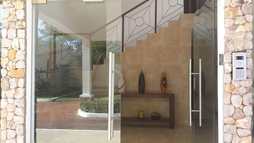PANAMA VIP10, S.A. Apartamento en Venta en Coronado en Chame Código: 17-4869 No.1