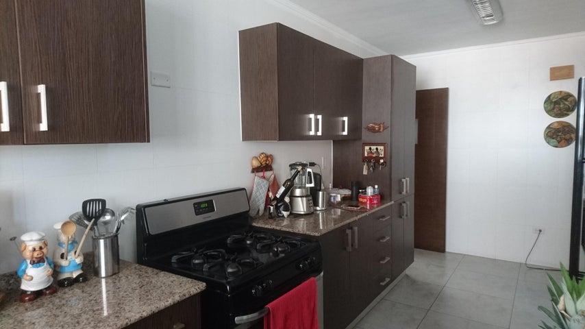 PANAMA VIP10, S.A. Casa en Venta en Brisas Del Golf en Panama Código: 17-4893 No.3