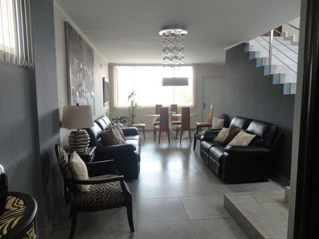 PANAMA VIP10, S.A. Casa en Venta en Brisas Del Golf en Panama Código: 17-4893 No.2