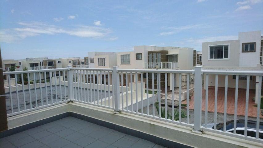 PANAMA VIP10, S.A. Casa en Venta en Brisas Del Golf en Panama Código: 17-4893 No.6