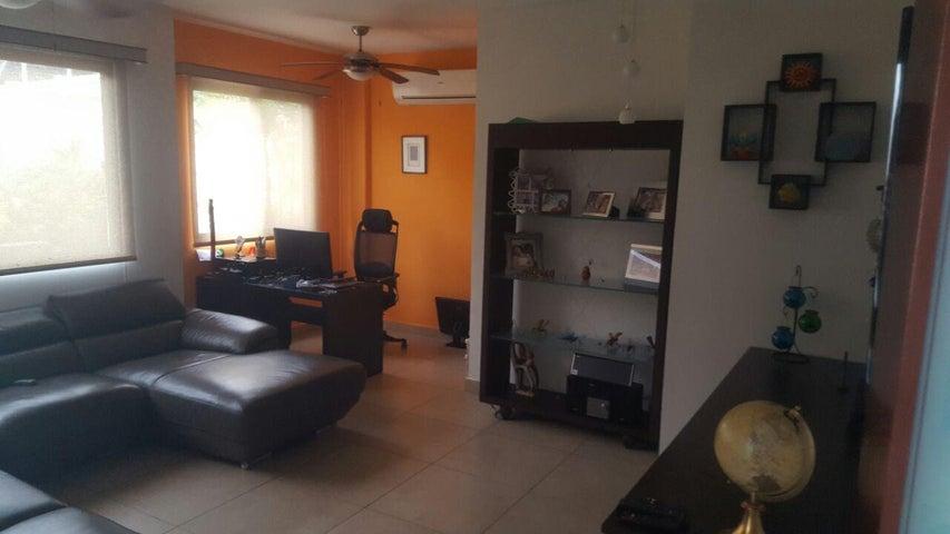 PANAMA VIP10, S.A. Casa en Venta en Brisas Del Golf en Panama Código: 17-4928 No.1