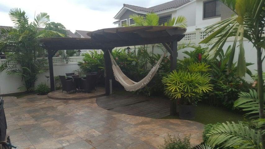 PANAMA VIP10, S.A. Casa en Venta en Brisas Del Golf en Panama Código: 17-4928 No.9