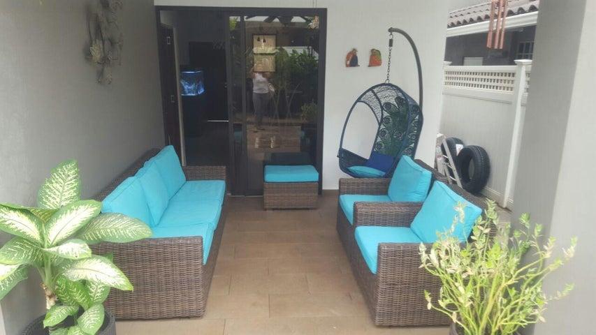 PANAMA VIP10, S.A. Casa en Venta en Brisas Del Golf en Panama Código: 17-4928 No.7