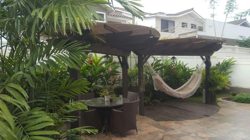 PANAMA VIP10, S.A. Casa en Venta en Brisas Del Golf en Panama Código: 17-4928 No.6