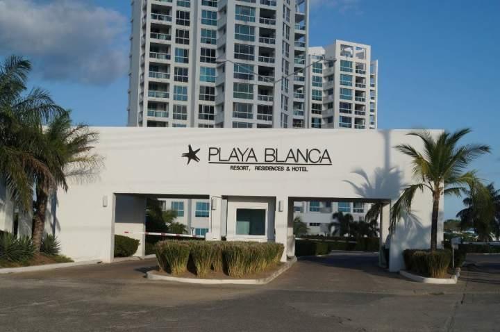 Apartamento En Venta En Playa Blanca Código FLEX: 17-824 No.1