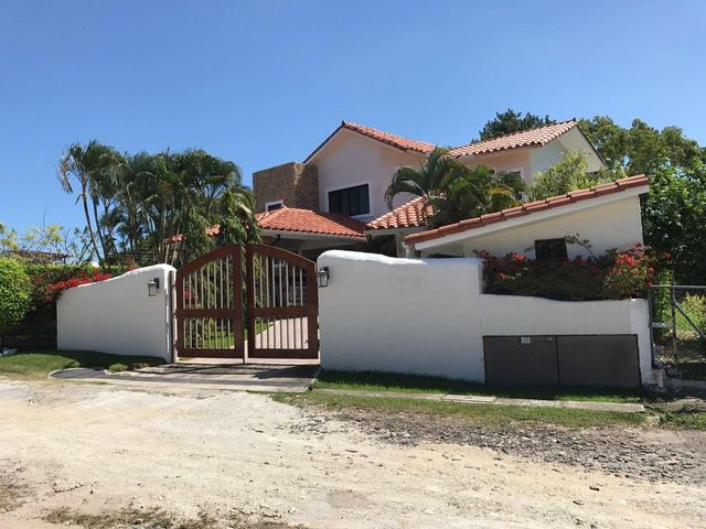 Casa / Venta / Chame / Coronado / FLEXMLS-17-4972
