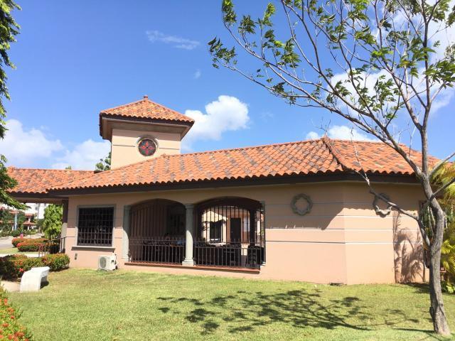 PANAMA VIP10, S.A. Casa en Venta en Versalles en Panama Código: 17-4898 No.2