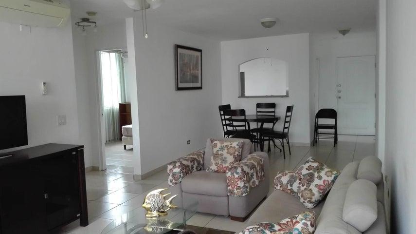 PANAMA VIP10, S.A. Apartamento en Alquiler en El Cangrejo en Panama Código: 17-5022 No.4
