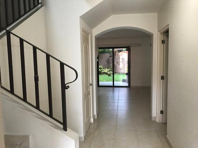 PANAMA VIP10, S.A. Casa en Alquiler en Versalles en Panama Código: 17-5176 No.1