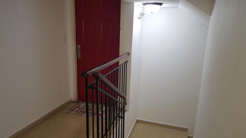 PANAMA VIP10, S.A. Apartamento en Venta en El Carmen en Panama Código: 17-5280 No.8