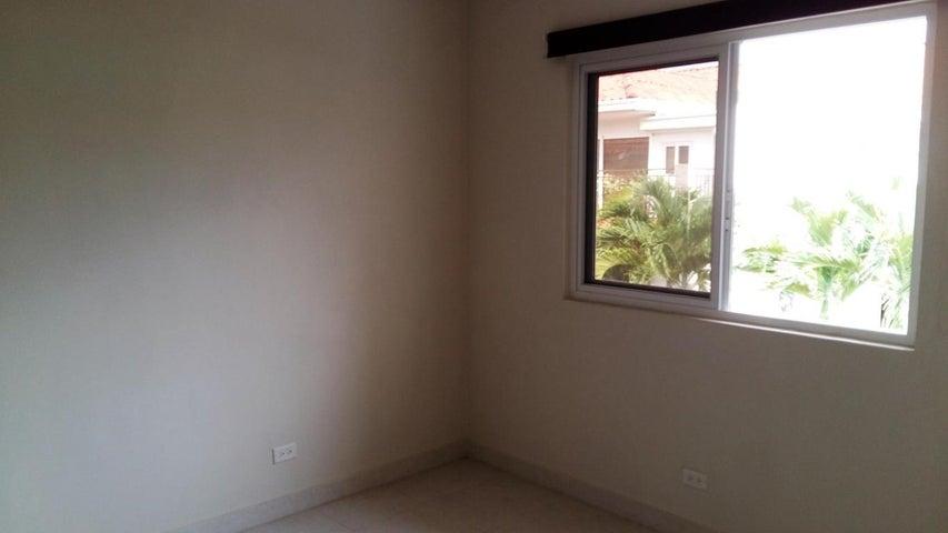 PANAMA VIP10, S.A. Casa en Venta en Versalles en Panama Código: 17-5281 No.2
