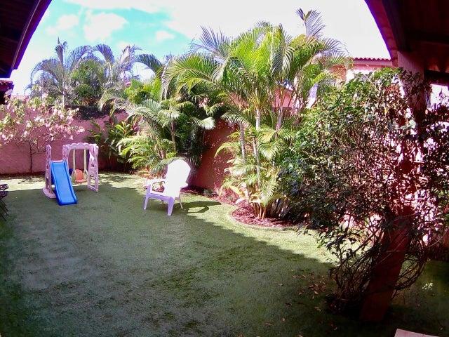 PANAMA VIP10, S.A. Casa en Venta en Versalles en Panama Código: 17-5292 No.1