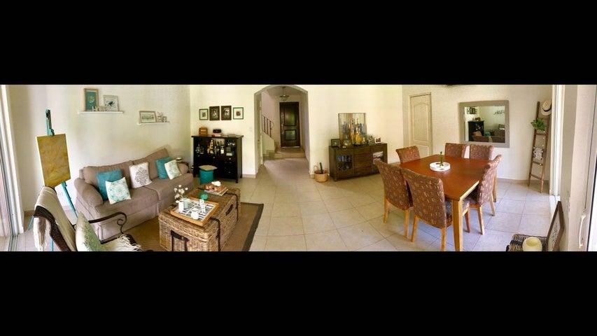 PANAMA VIP10, S.A. Casa en Venta en Versalles en Panama Código: 17-5292 No.2