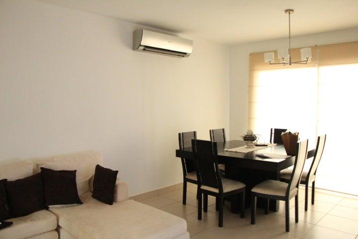 PANAMA VIP10, S.A. Casa en Venta en Brisas Del Golf en Panama Código: 17-5613 No.8