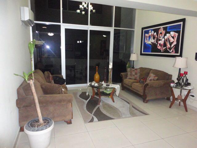 PANAMA VIP10, S.A. Apartamento en Venta en Bellavista en Panama Código: 17-5387 No.2