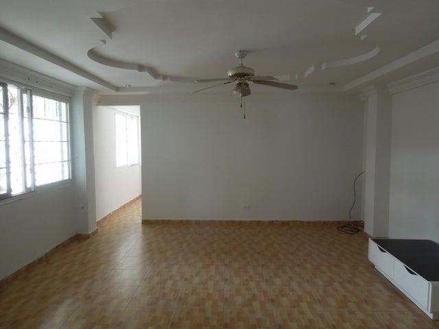 PANAMA VIP10, S.A. Casa en Venta en Brisas Del Golf en Panama Código: 17-5443 No.3