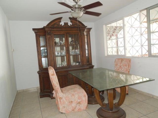 PANAMA VIP10, S.A. Casa en Venta en Brisas Del Golf en Panama Código: 17-5443 No.5