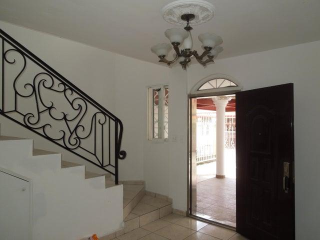 PANAMA VIP10, S.A. Casa en Venta en Brisas Del Golf en Panama Código: 17-5443 No.6