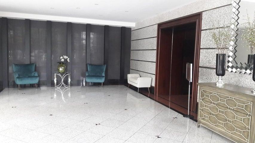 PANAMA VIP10, S.A. Apartamento en Alquiler en Avenida Balboa en Panama Código: 17-5508 No.5