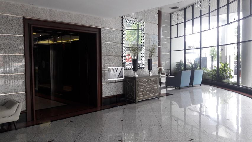 PANAMA VIP10, S.A. Apartamento en Alquiler en Avenida Balboa en Panama Código: 17-5508 No.2