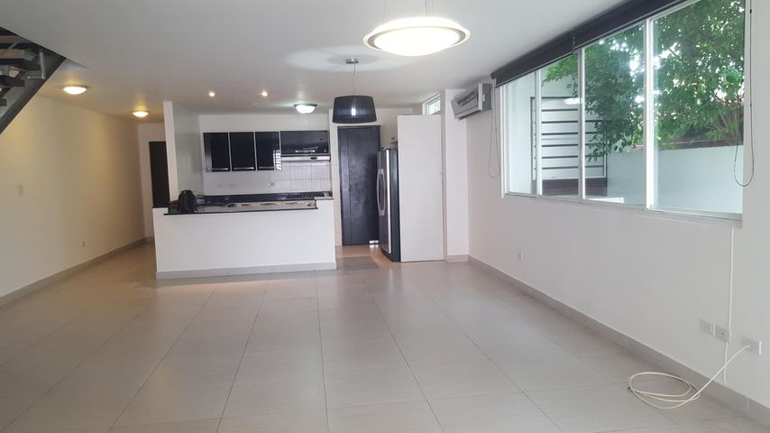 PANAMA VIP10, S.A. Casa en Venta en Altos de Panama en Panama Código: 16-2560 No.5