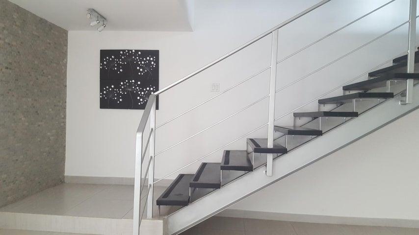 PANAMA VIP10, S.A. Casa en Venta en Altos de Panama en Panama Código: 16-2560 No.7