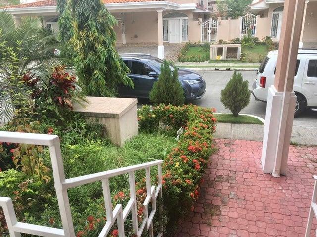 PANAMA VIP10, S.A. Casa en Venta en Altos de Panama en Panama Código: 17-5642 No.1
