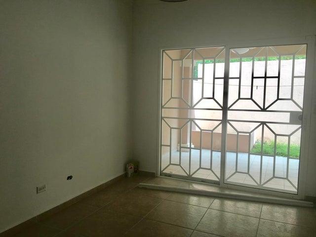 PANAMA VIP10, S.A. Casa en Venta en Altos de Panama en Panama Código: 17-5642 No.8