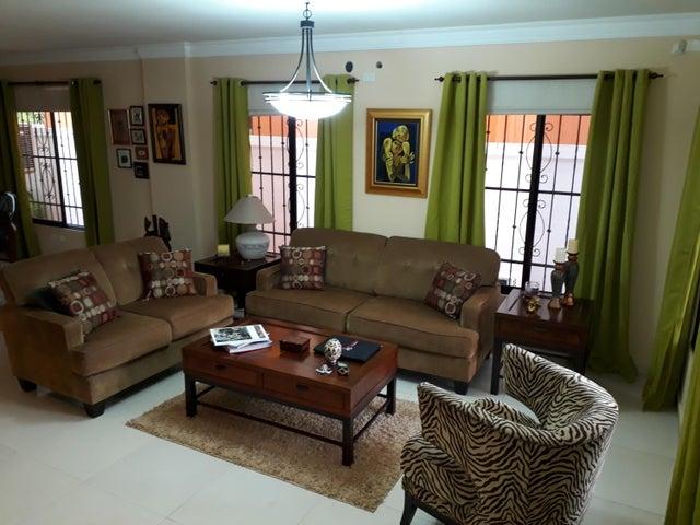PANAMA VIP10, S.A. Casa en Venta en Altos de Panama en Panama Código: 17-5648 No.3