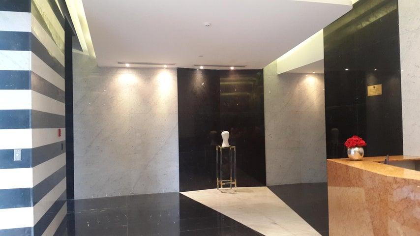 PANAMA VIP10, S.A. Oficina en Venta en Obarrio en Panama Código: 17-5673 No.2