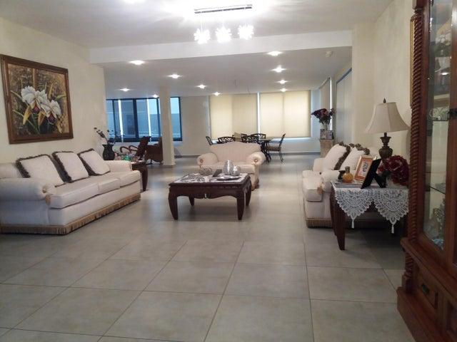 PANAMA VIP10, S.A. Casa en Venta en Brisas Del Golf en Panama Código: 17-5695 No.7
