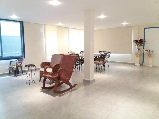 PANAMA VIP10, S.A. Casa en Venta en Brisas Del Golf en Panama Código: 17-5695 No.2