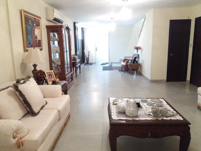 PANAMA VIP10, S.A. Casa en Venta en Brisas Del Golf en Panama Código: 17-5695 No.6