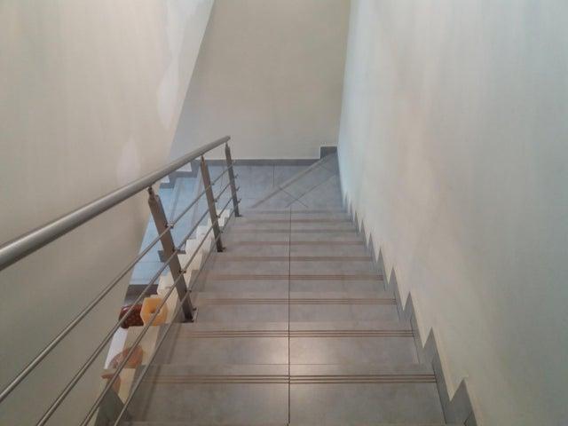 PANAMA VIP10, S.A. Casa en Venta en Brisas Del Golf en Panama Código: 17-5695 No.9