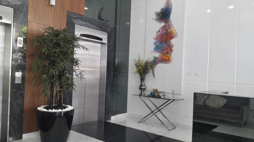 PANAMA VIP10, S.A. Apartamento en Alquiler en Via Espana en Panama Código: 17-5706 No.2